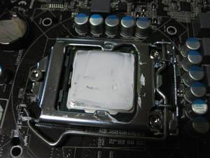 CPUにグリス塗布