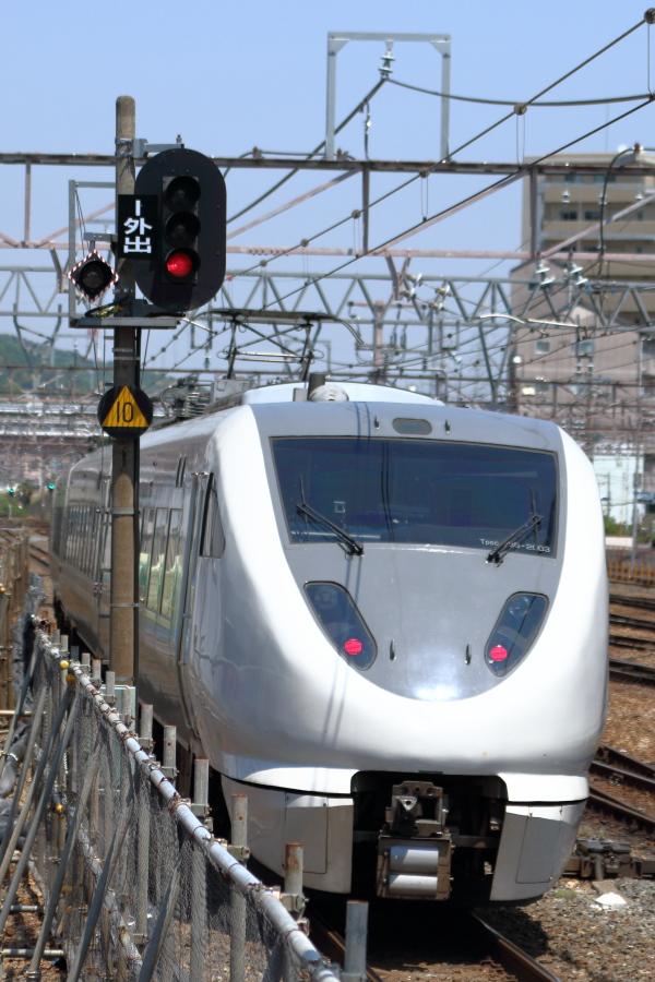 高槻駅289系通過
