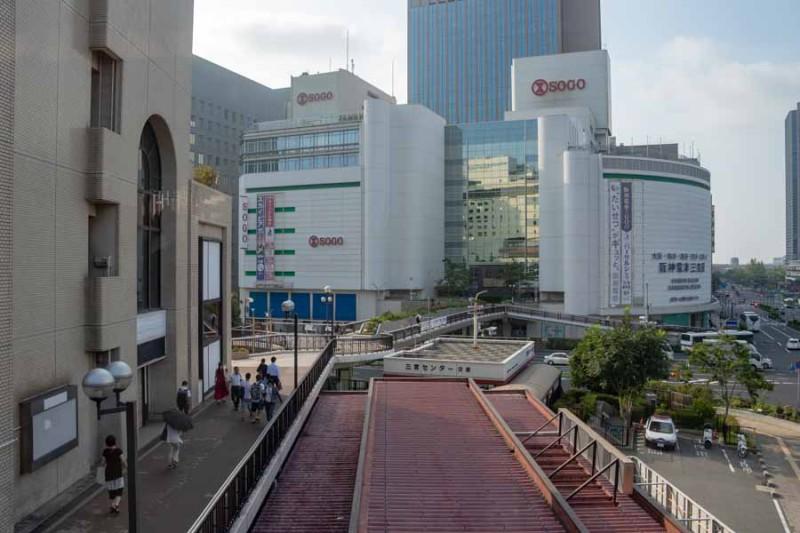 三ノ宮駅から見える車窓