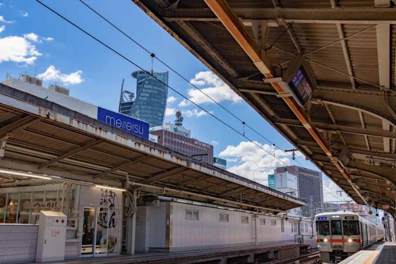 中津川行きが名古屋駅に到着